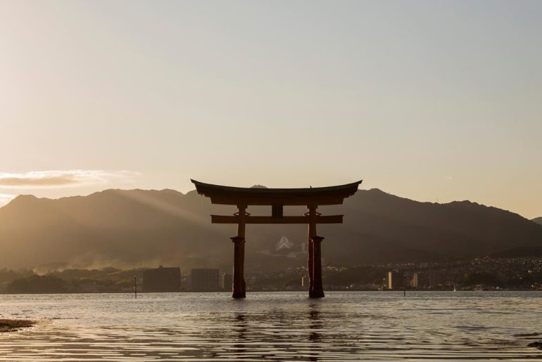 It's always good to revisit Miyajima in Hiroshima! If you're a sunset lover, pop...