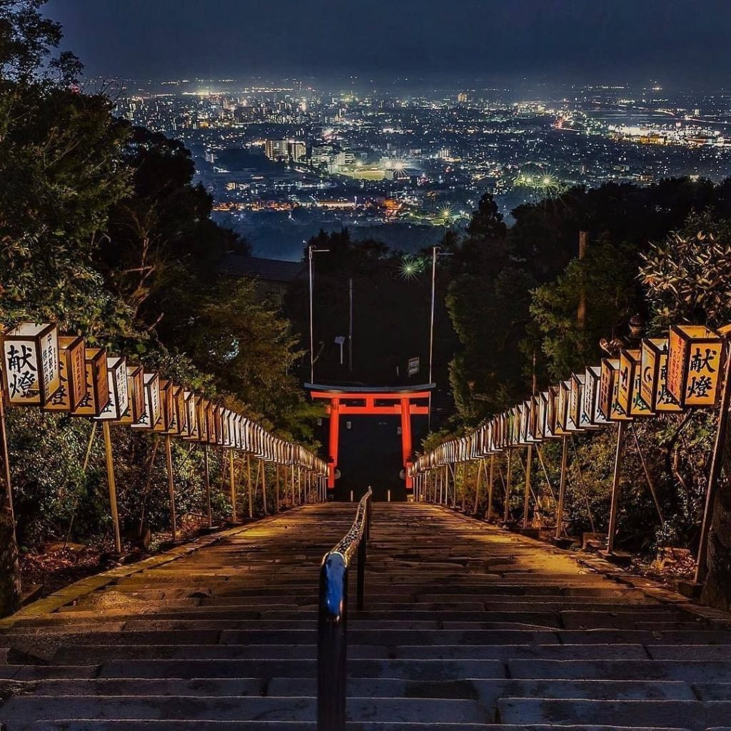 Up the 133 steps to the #KoraTaisha Shrine will reward you with this gorgeous #n...