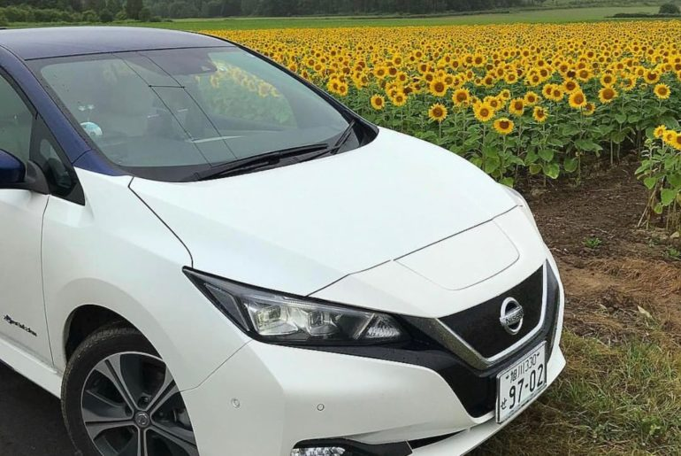 Getting a little sun.  #NissanLEAF #SimplyAmazing &: @leaflife9702...
