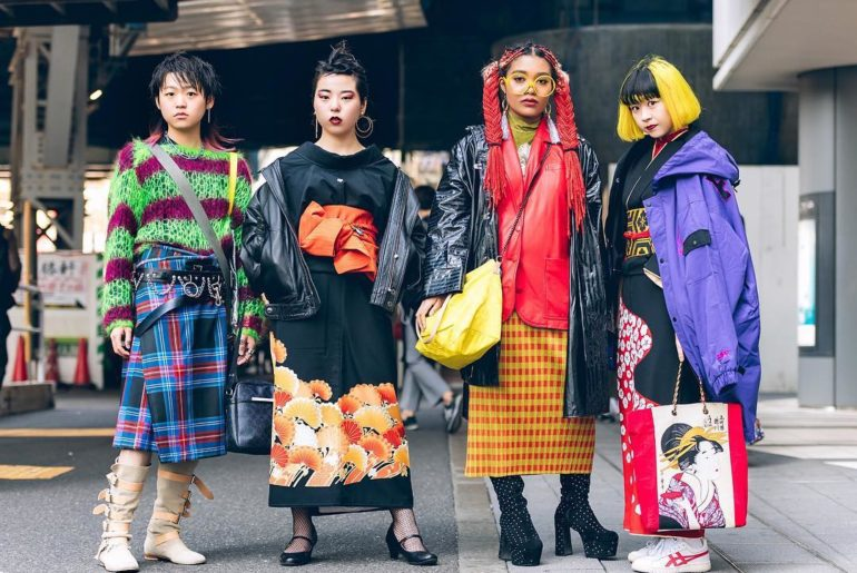 Tokyo Fashion Week street snaps!! Our snaps from Tokyo Fashion Week are being pu...