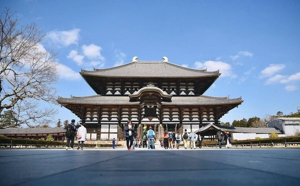 Come see the #GreatBuddhaHall of #Todaiji Temple that houses the world's largest...
