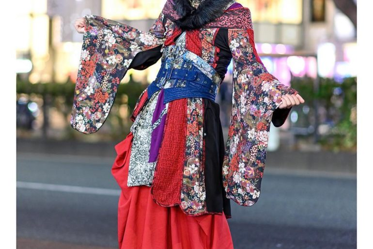 Desuko on the street in Harajuku wearing a colorful kimono from @QutieFrash with...