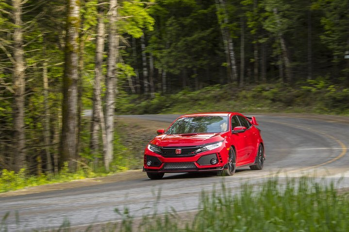 Whatever your level of thrill, add a sporty edge to your life with the Honda Civ...