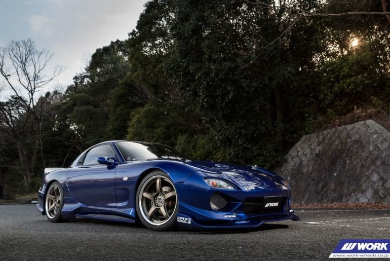 @krcmodified Mazda RX-7 on NEW WORK Emotion T5R2P #artofwheel #t5r2p...