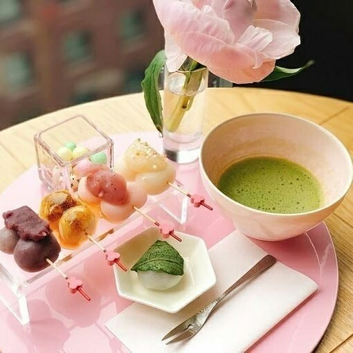 For a super cute, seasonal dessert plate, head to Hands Expo Cafe in Tokyo. Thei...