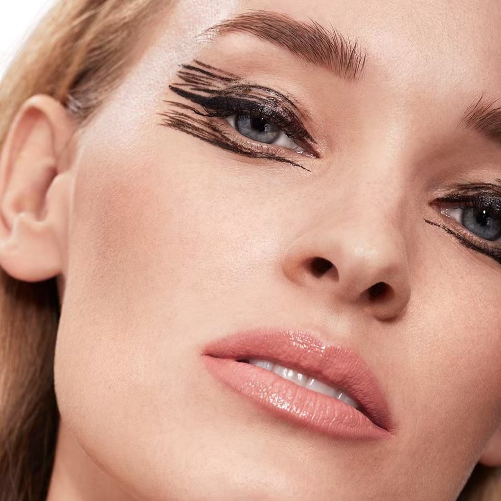 Defy expectations with dramatic design. Take liquid liner to new levels with Arc...