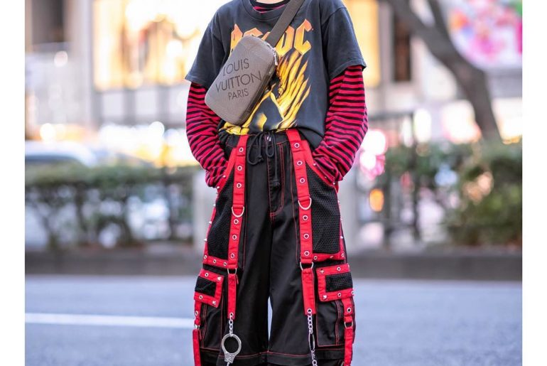 18-year-old Japanese student Rina (@2000_12__17) on the street in Harajuku. She'...