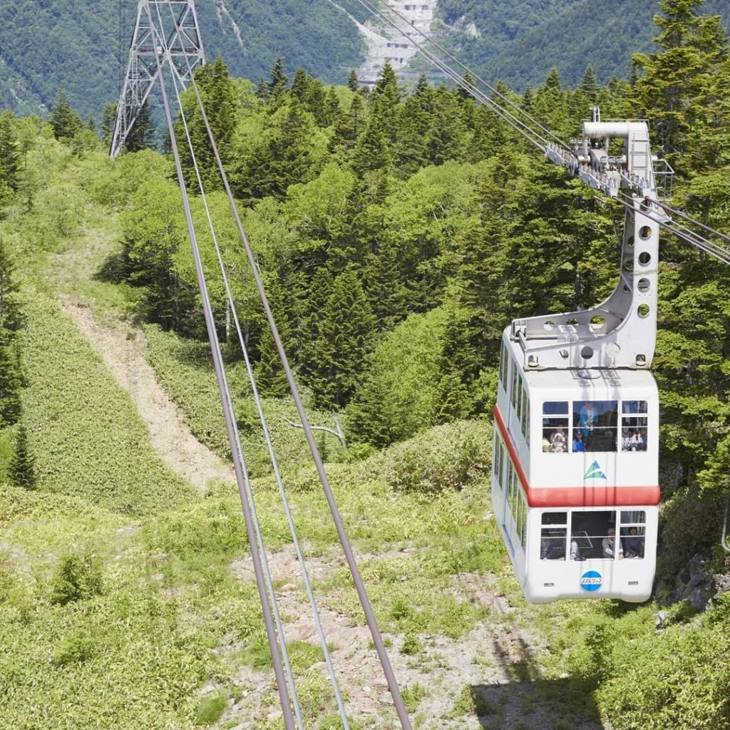 Ride the Shinhotaka Ropeway in Gifu Prefecture all the way to the summit for som...