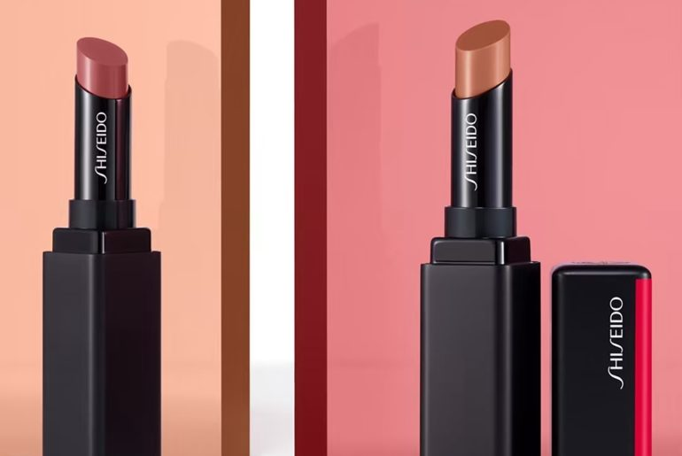 Color meets comfort in every tube of ColorGel LipBalm. A single swipe floods lip...
