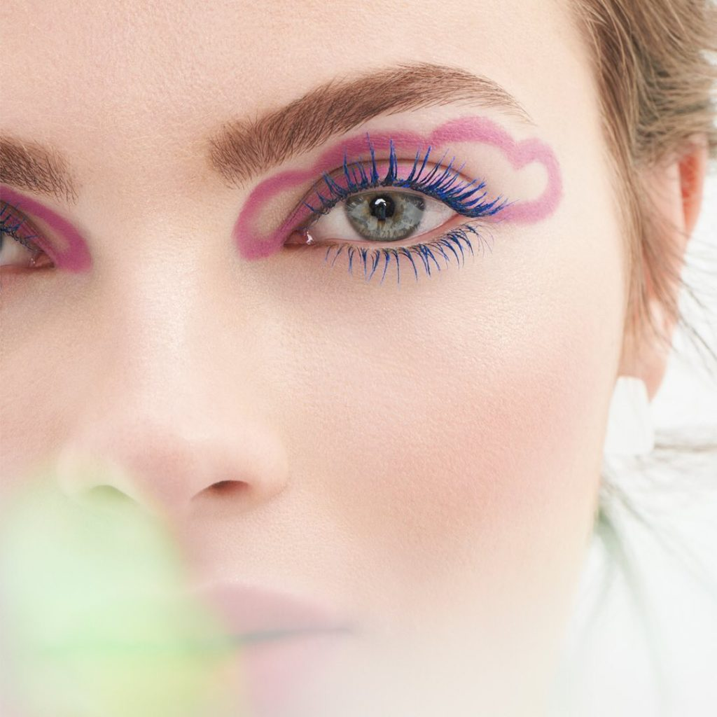 On cloud nine with North America Color Artist @lostar. ControlledChaos Mascara i...