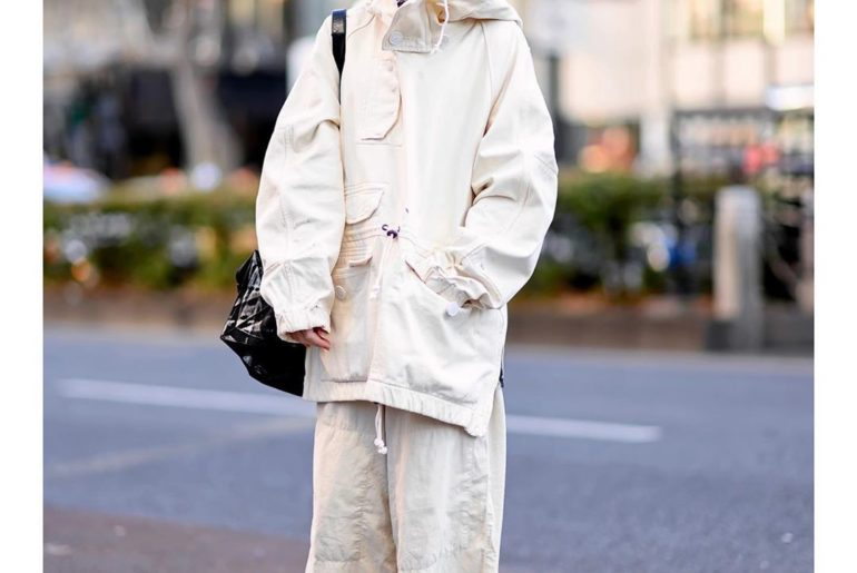 19-year-old beauty student Mai (@_oi_mai) on the street in Harajuku. She's weari...