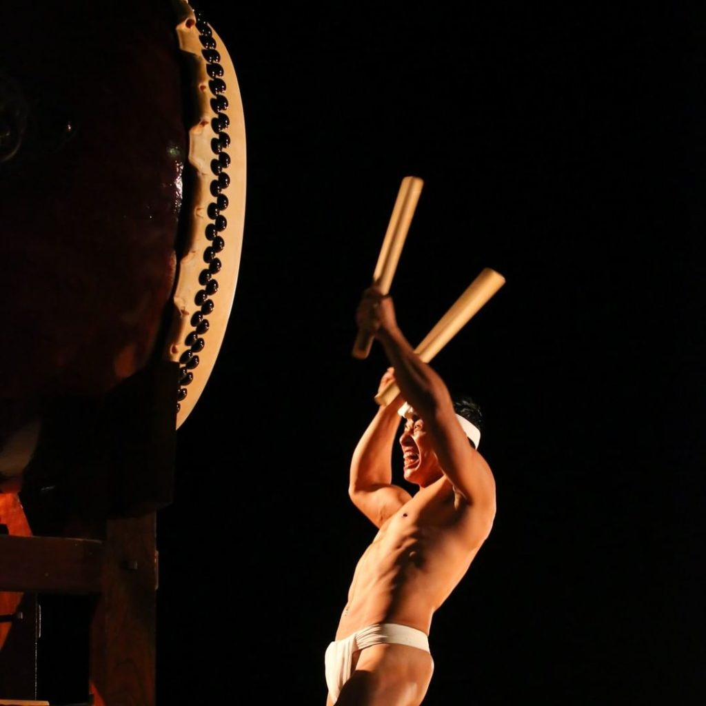 Powerful taiko drum performance at the yearly Earth Celebration on Sado Island! ...