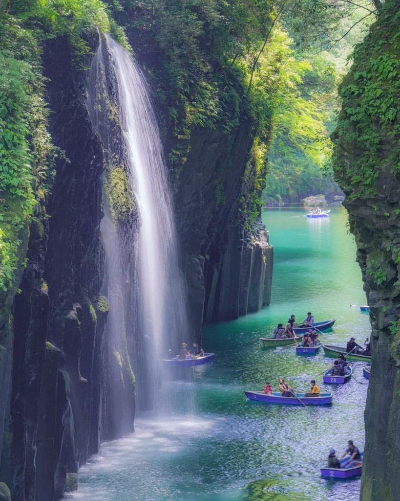 Too cheesy and cliché to call it gorge-ous? Maybe, but it's true! Takachiho Gorg...