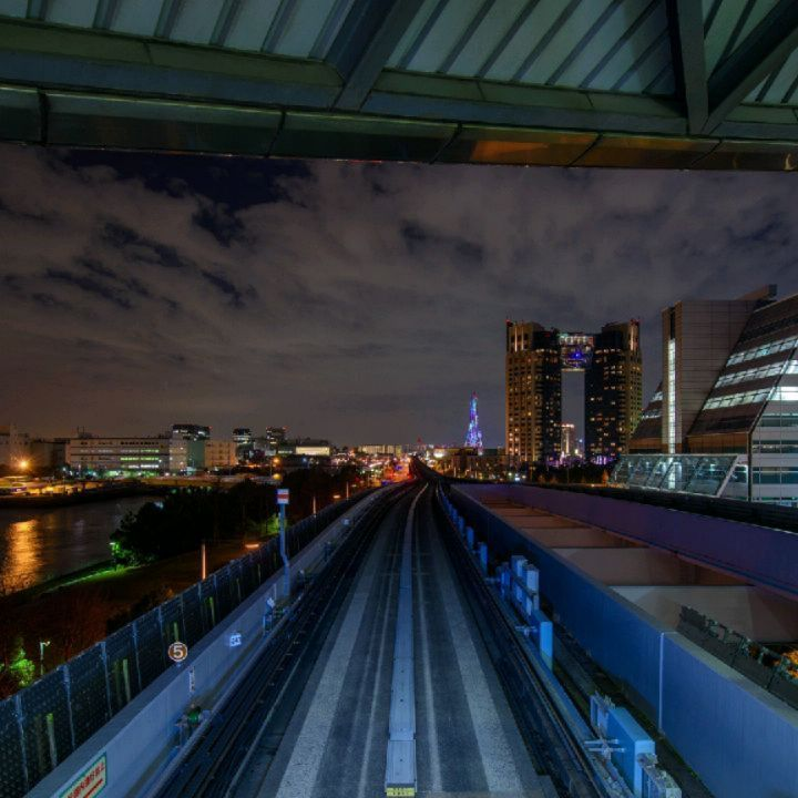 SHOPPING AND ENTERTAINMENT ON TOKYO BAY  The man-made island of Odaiba is a popu...