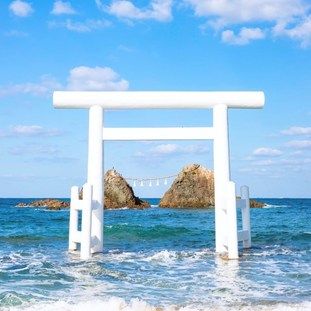 Japan has lots of beautiful beaches, but this one in Itoshima is extra special! ...