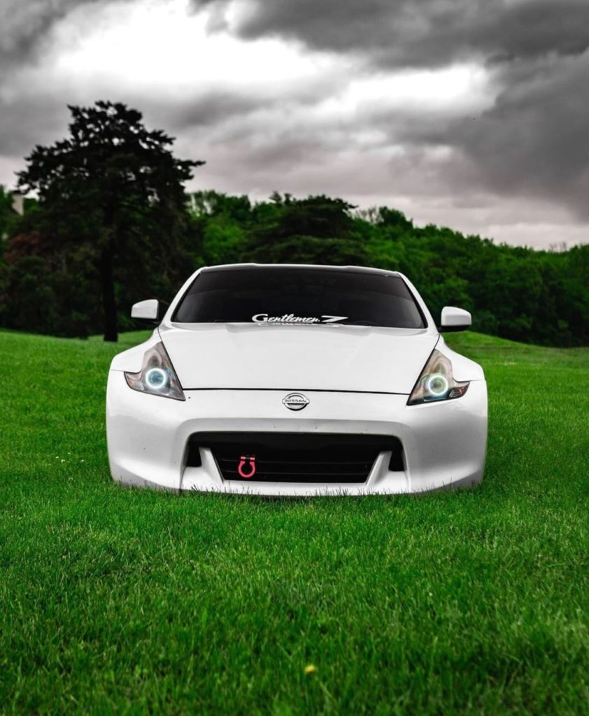 Trust us, the grass is much greener over here. #Nissan370Z #Nissan #370Z : @spee...