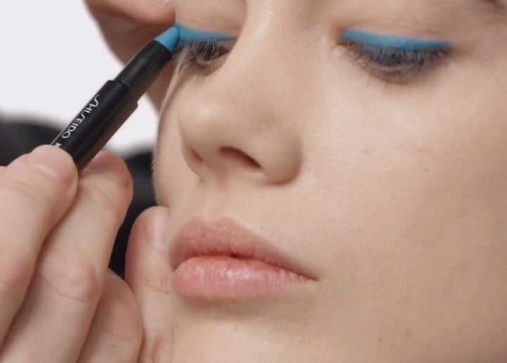 A cool blue graphic eye is no sweat with Kajal InkArtist in Sumi Sky, a waterpro...