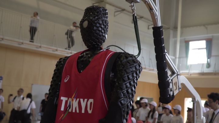 Kids, robots, and 7-foot tall basketball players!  Welcome to Basketball at #Tok...