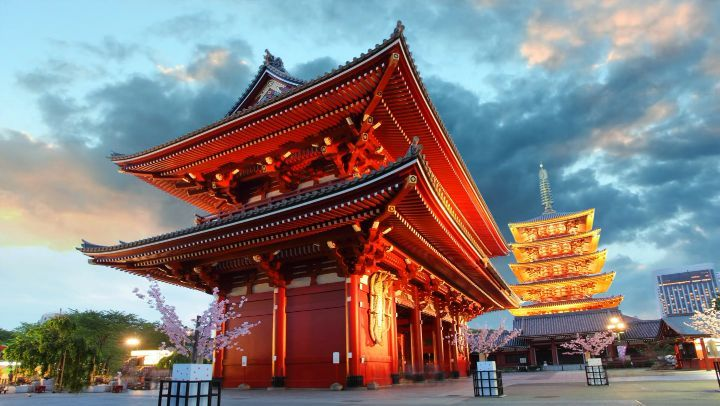 Tokyo's oldest and arguably most iconic temple, Sensoji Temple contains a sacred...