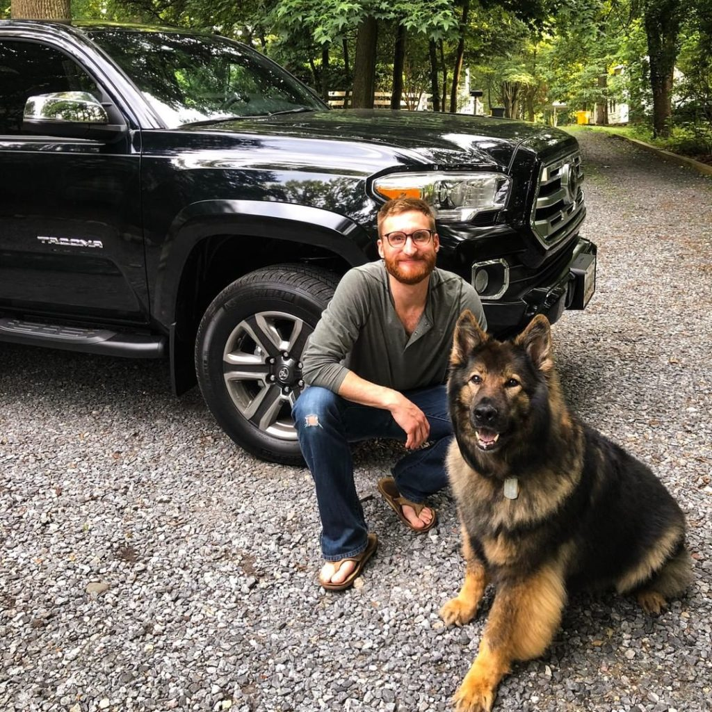 Meet Gizzy: guide dog for US Paralympian and @TeamToyota athlete @BradSnyderUSA....