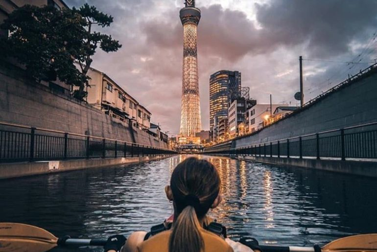 Take in the Tokyo Skytree from a different perspective with a nighttime kayak to...