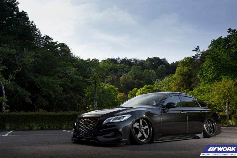 @aless_group Toyota Crown on WORK Equip E05 #artofwheel #equip #e05...