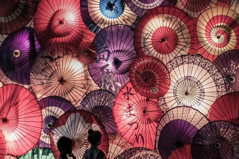 This dreamy shot of Japanese paper umbrellas was taken at the Shimabara Water Fe...