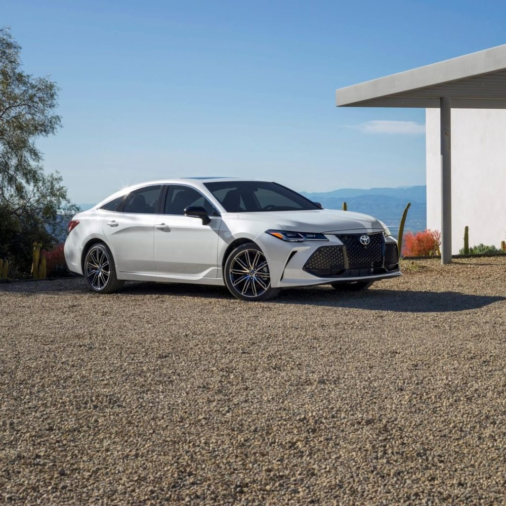 With it's striking design, #Avalon is the trophy-car you've always wanted! #Lets...