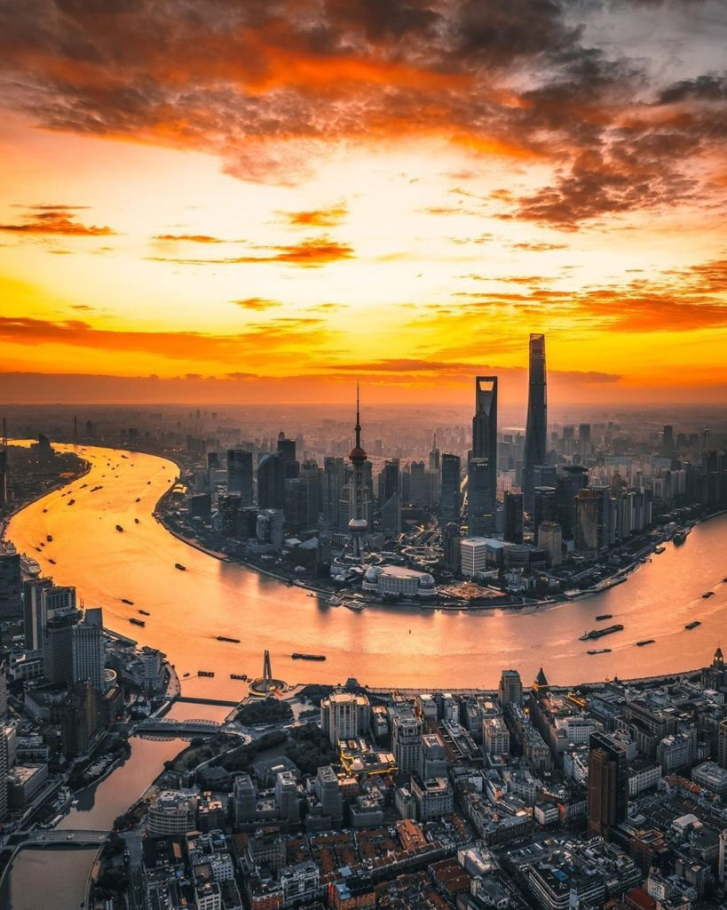 . #SeptemberMyWay As the Huangpu River winds its way through Shanghai, morning b...