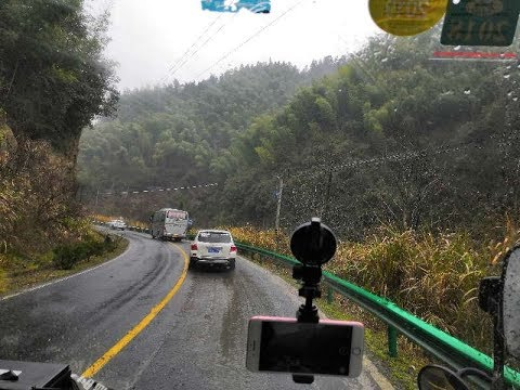 【4K】Taking a tourism bus from Huangshan North Railway Station to Hongcun, Yi County, Anhui Province.