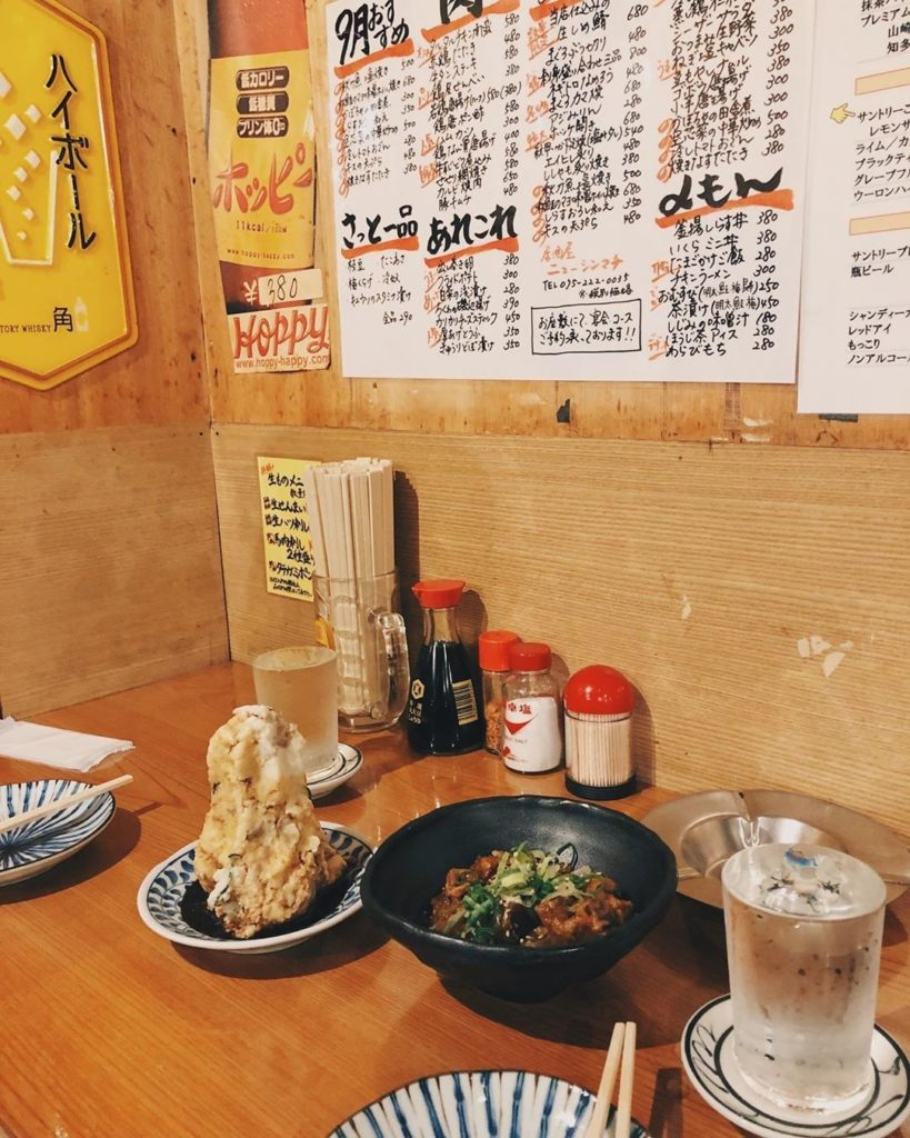 Places with handwritten paper menus on the walls are 100% our jam.  @carmentrave...