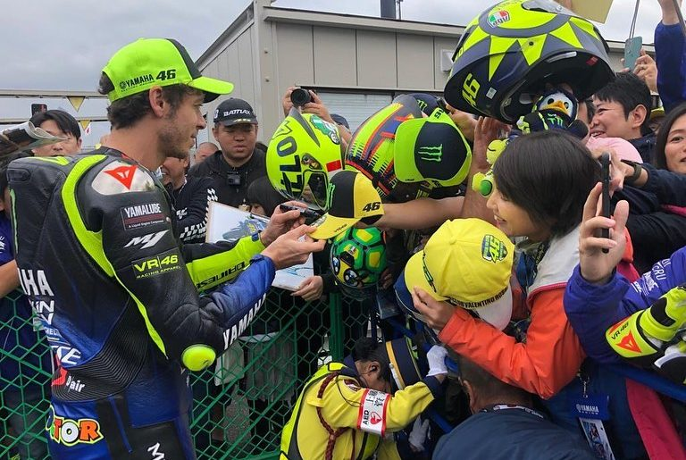 Thanks for holding on to the fence, security! . @valeyellow46 was giving autogra...