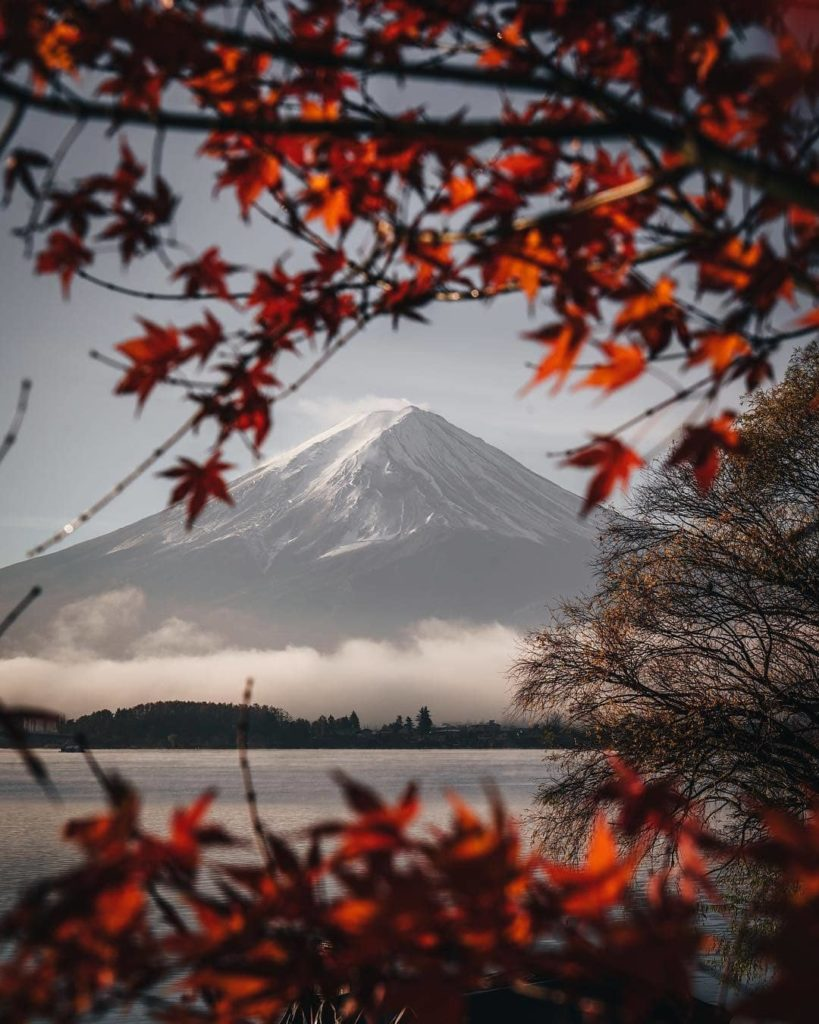 Late October to early November is the best time to capture an iconic Mt. Fuji au...
