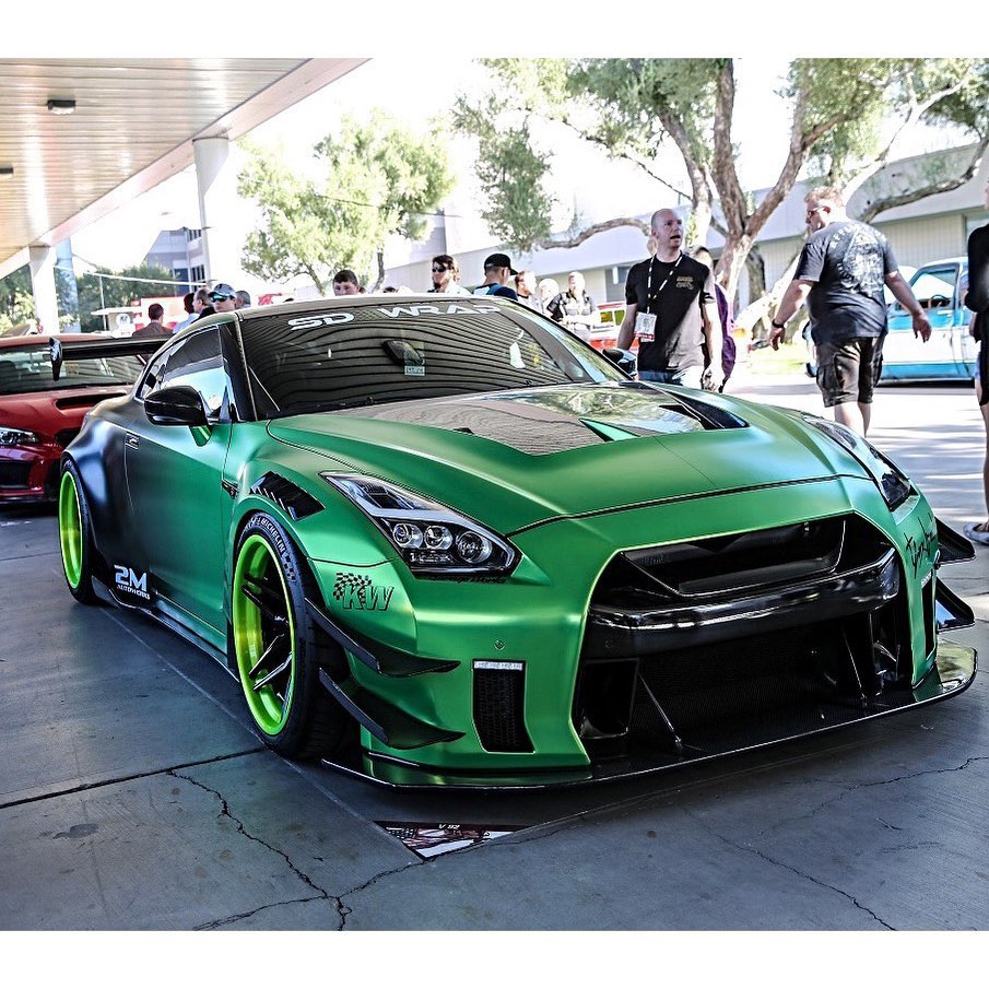 Green machine!  Owner  @tannerfox . . . . Follow the Crew:  @Nissan_GTR_Lovers @...