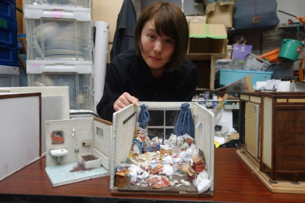 Miyu Kojima creates dioramas of rooms. The attention to detail and the sense of ...