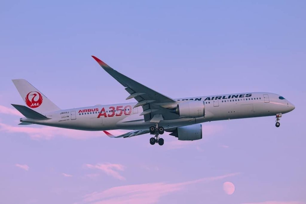 . Have you already met the #JAL #A350? ︎If not, allow us to introduce you :) #Wo...