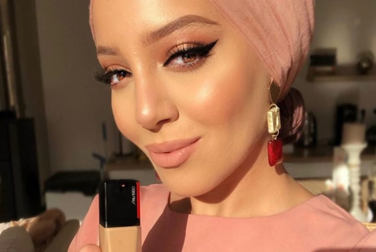 Create a just-applied look that lasts all day like @salminaaliana. Synchro Skin ...