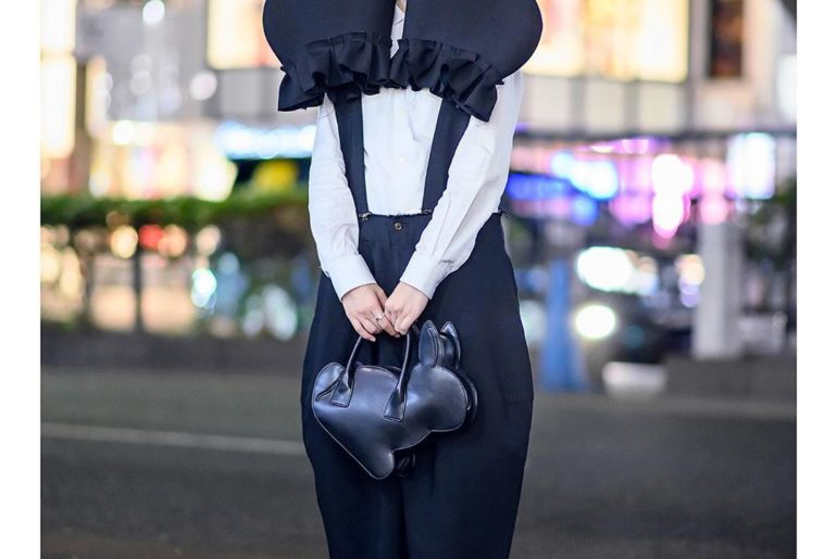 18-year-old student Haruna (@__pizzacat) on the street in Harajuku wearing an av...