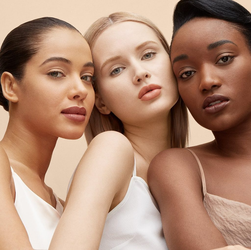 The Synchro Skin Self-Refreshing collection is in sync, all ways. With 7 product...