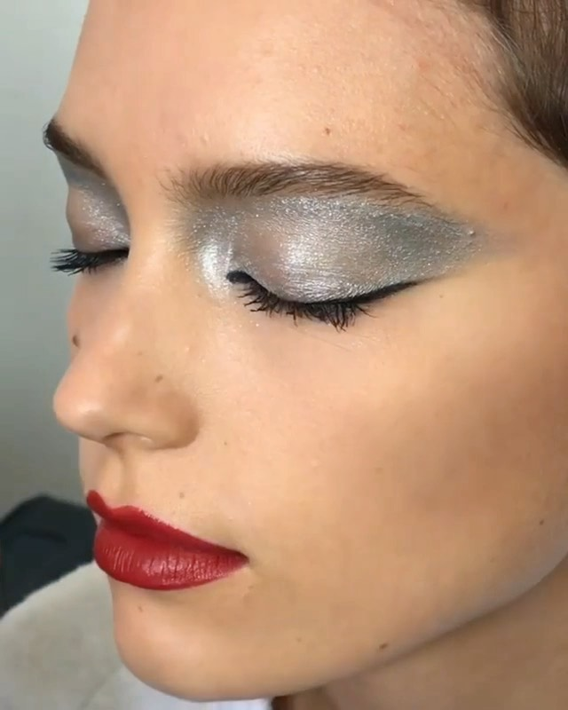 EMEA Color Artist @gregoris creates a reflective finish fit for the holidays wit...