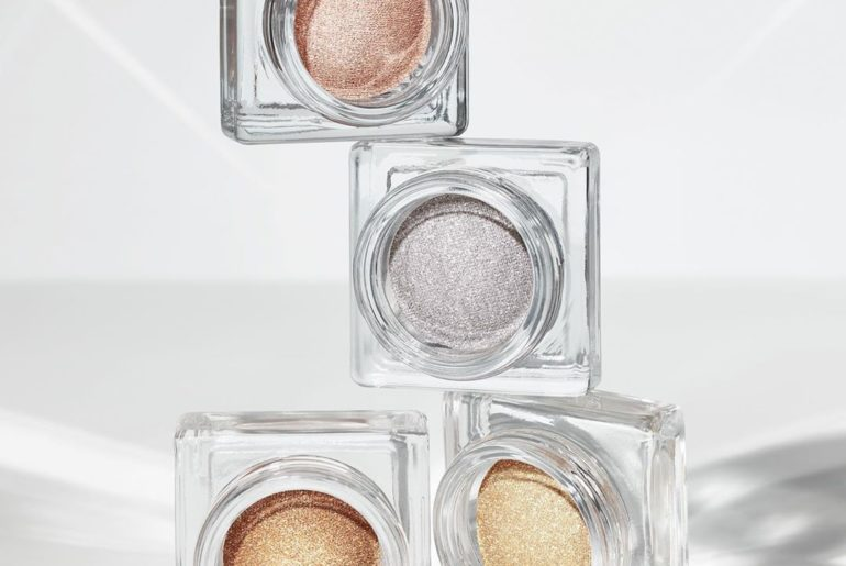 Amp up already radiant skin by pairing the Synchro Skin Self-Refreshing collecti...