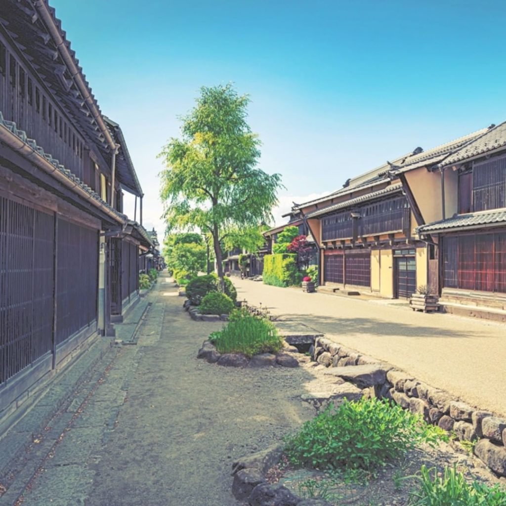 Unnojuku is a hidden gem in Nagano Prefecture, with a road lined with Edo period...