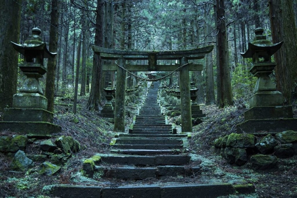 One of Kumamoto Prefecture's hidden treasures, Kamishikimi Kumano-imasu Shrine t...