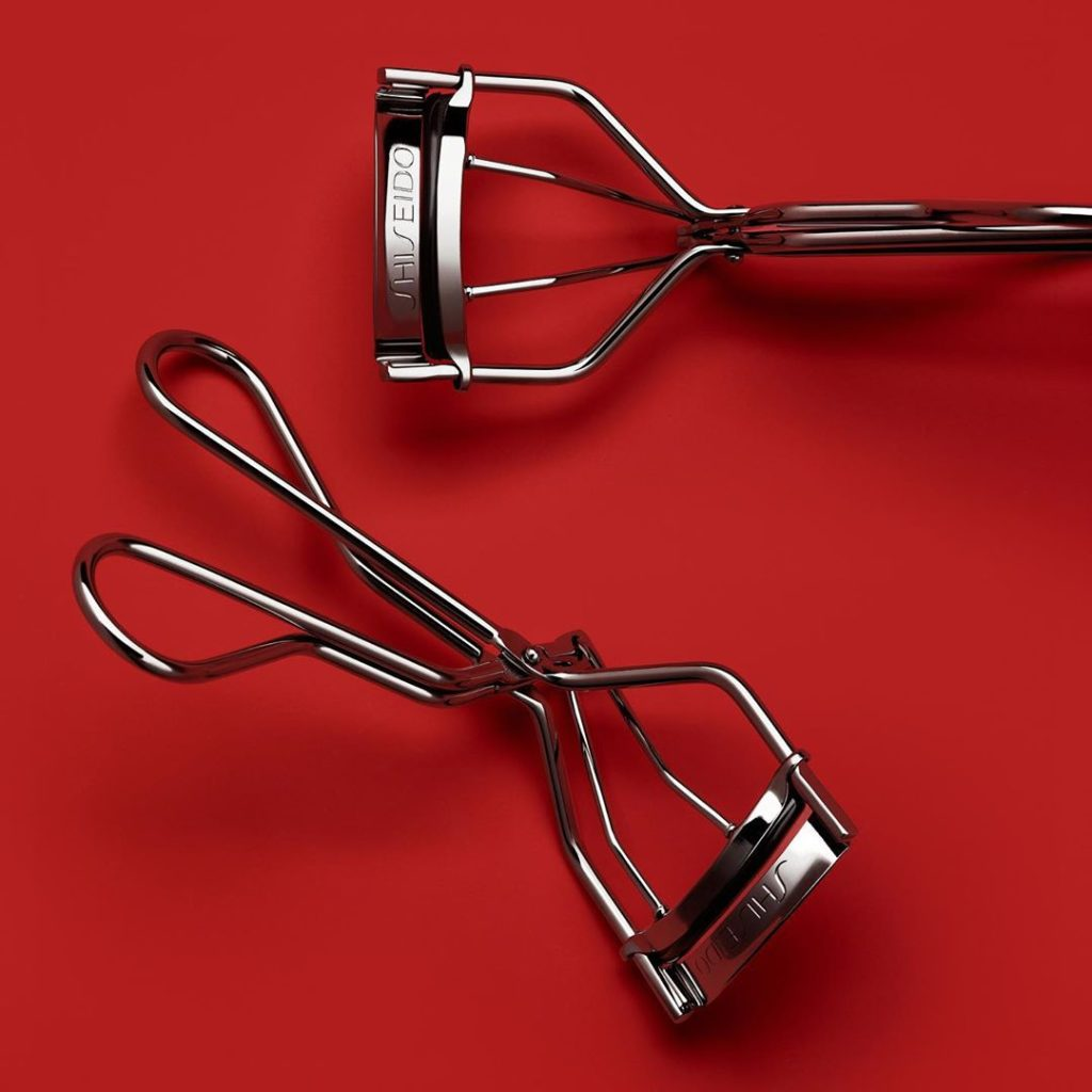 Give the gift of glamorous, traffic-stopping curl. Our iconic Eyelash Curler gra...
